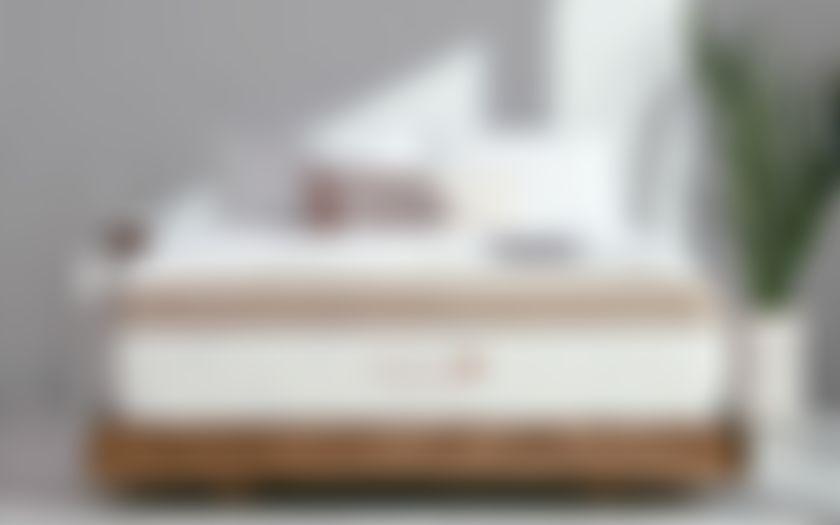 saatva mattress review in bedroom